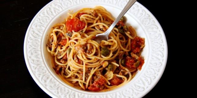 Spaghetti semi complet aux sardines et aux câpres