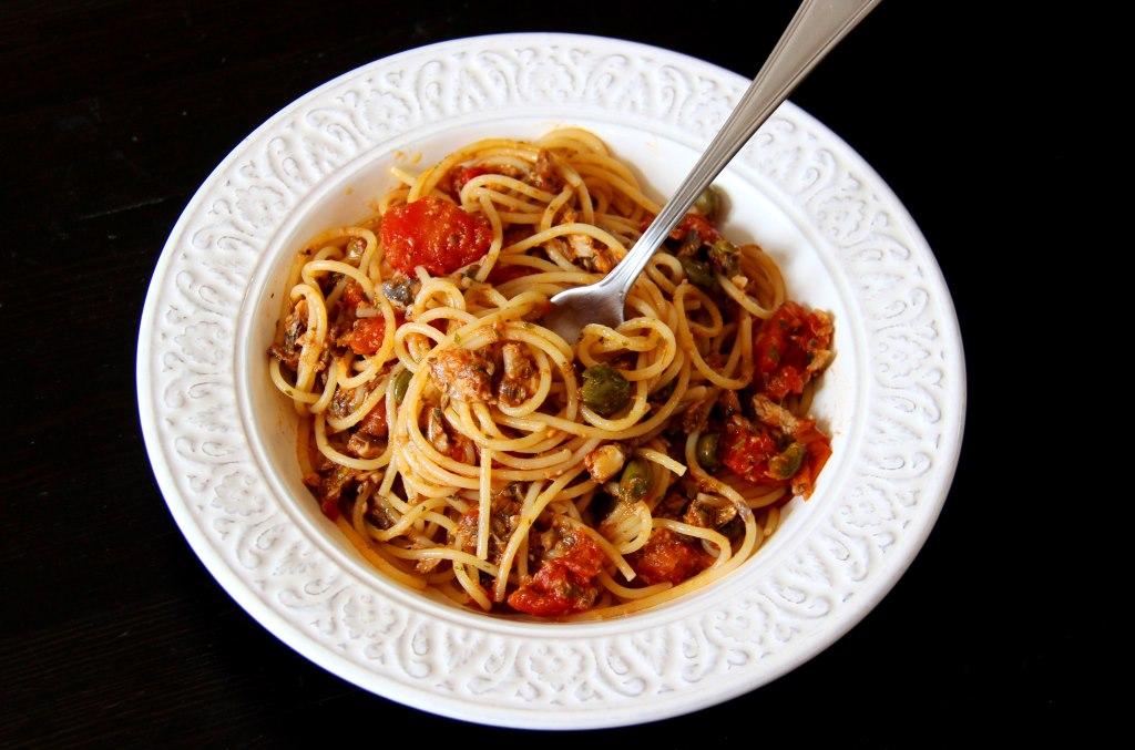 Spaghetti semi-complet aux sardines et aux câpres