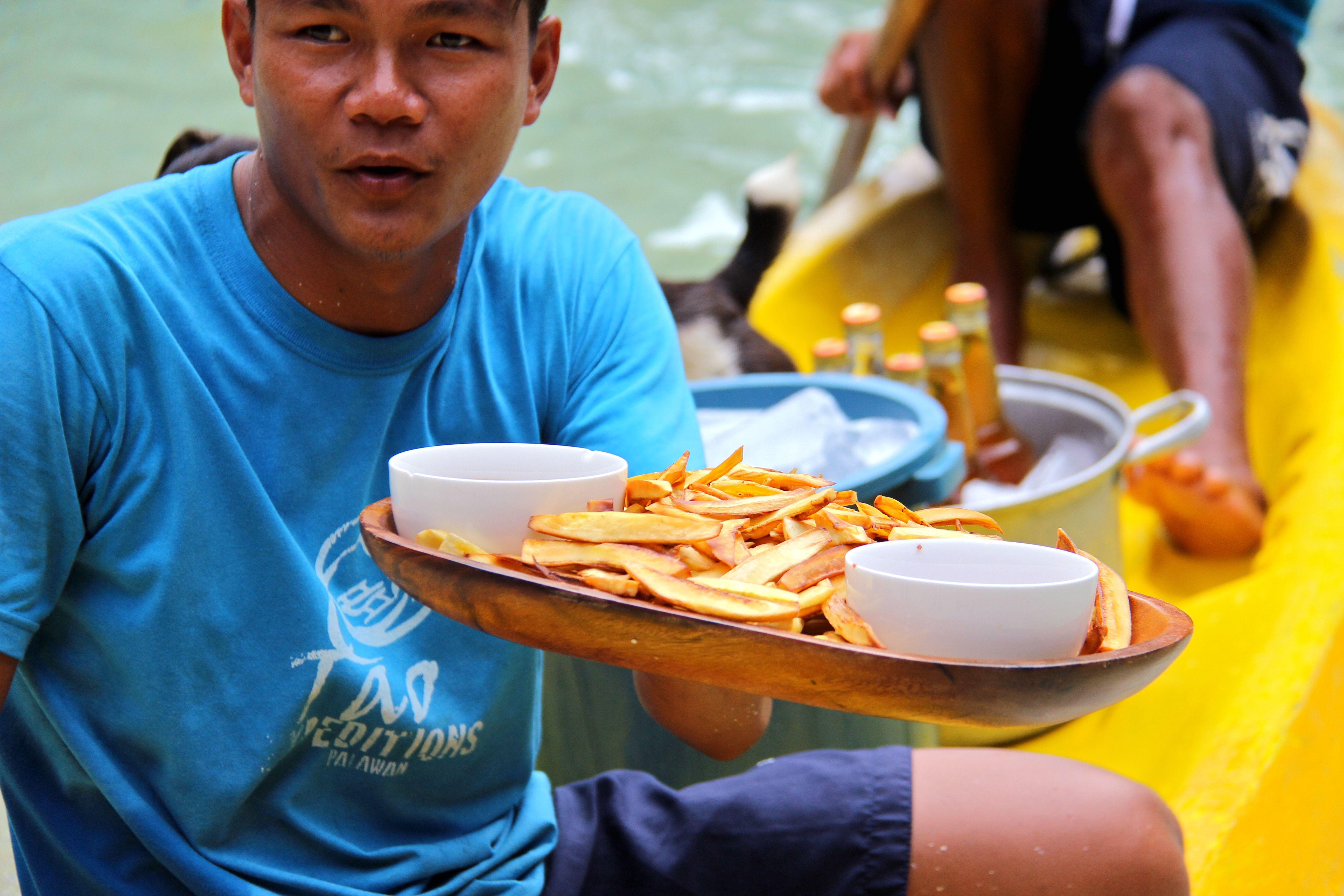 Frites de patates douces et lait concentré sucré pour le goûter - Tao expeditions