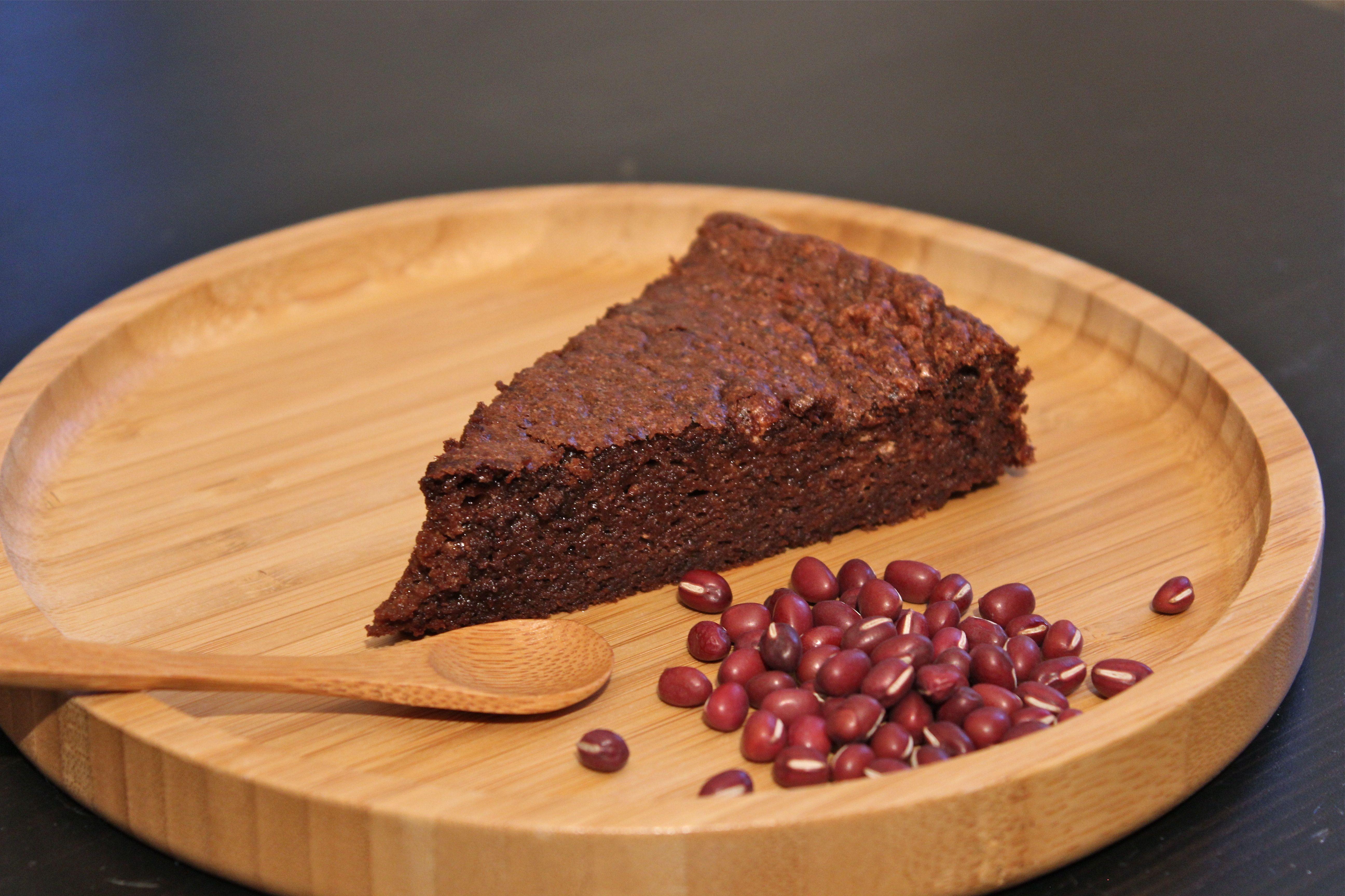 Molten chocolat cake with azuki beans