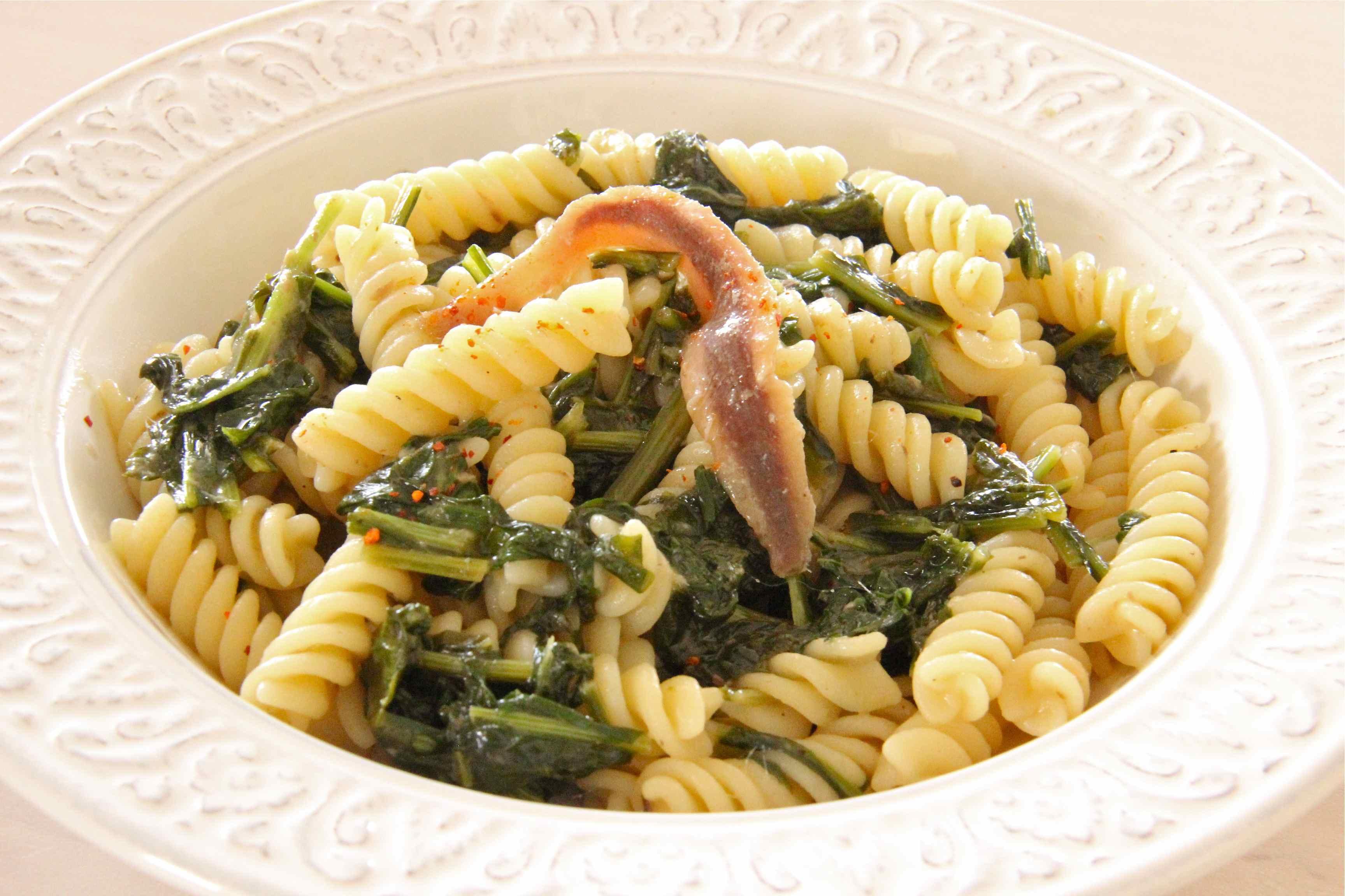Turnip greens fusilli