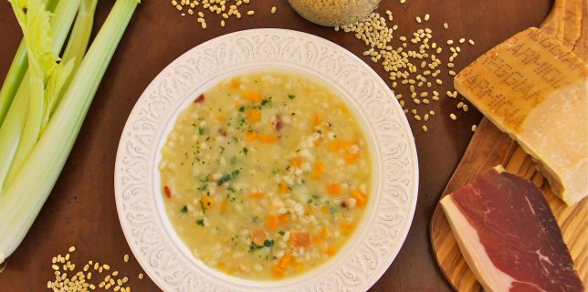 Creamy Trentino soup with pearl barley and speck : orzetto alla trentina