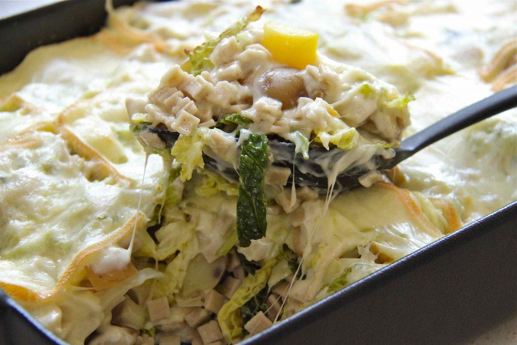 Gratin de pizzoccheri, tartiflette végétarienne italienne à base de pâtes de sarrasin et chou frisé