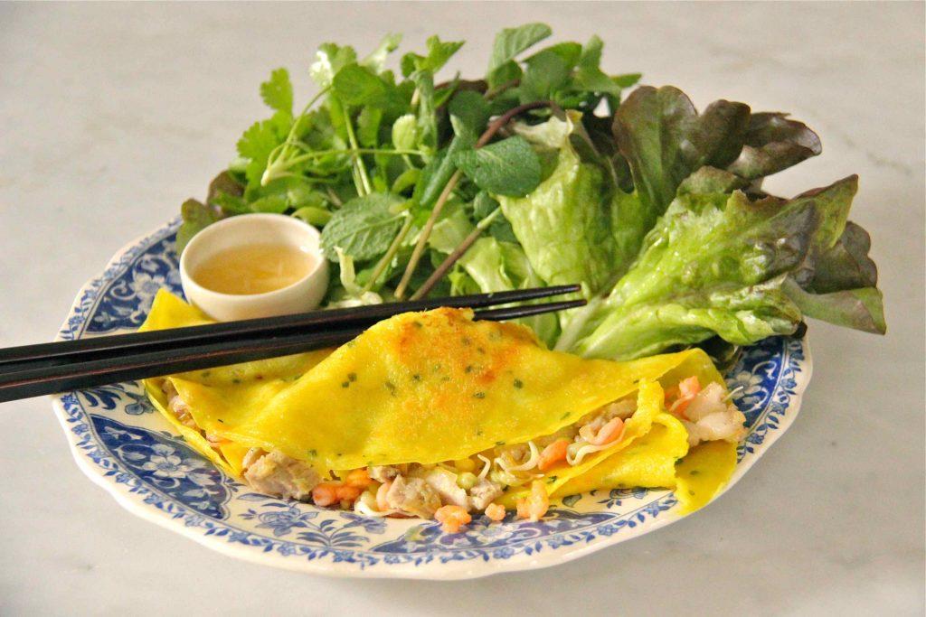 Banh Xeo, crêpes vietnamiennes au curcuma, lait de coco et farine de riz