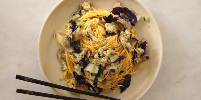 Nouilles asiatiques sautées aux légumes